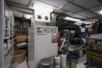 2011 85 Burger - Engine Room (7)
