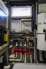 2011 85 Burger - Engine Room (12)