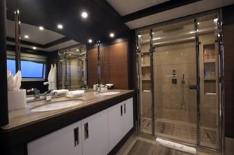 Lady MRD 17 Benetti-Lady-M_interiors_Main-deck-18