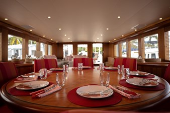 2003 100' Hatteras Motor Yacht Main Round Dining