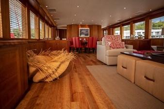 2003 100' Hatteras Motor Yacht Main Salon