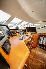 2003 100' Hatteras Motor Yacht Pilot House