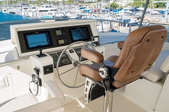 Flybridge Helm Seat