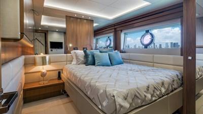 Docqua 37 38_2018 86ft Sunseeker Yacht DOCQUA