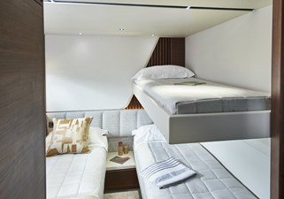 y85-interior-starboard-guest-cabin-with-pullman-bunk-walnut-satin