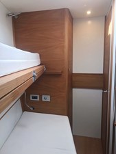 One Shot yacht double cabin