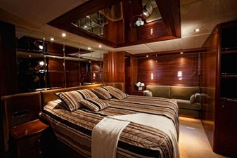 DANIELA 3 DANIELA 2005 AZIMUT YACHTS 100 Jumbo Motor Yacht Yacht MLS #262479 3