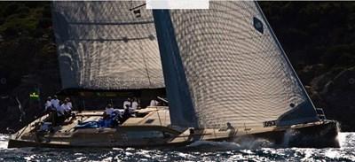 Ikaika_Felci_80_sailing