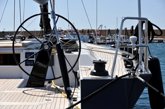Felci71_yacht2000_blackoala_helm