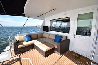 Papillon 2 Papillon 1985 HATTERAS 82 Cockpit Motor Yacht Motor Yacht Yacht MLS #262569 2