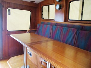 PH settee & table, starboard