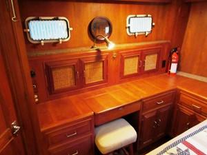 Aft Cabin, starboard side