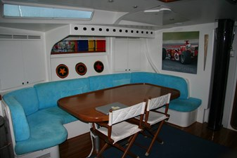 Capricorno_yacht-for_sale_dining_table