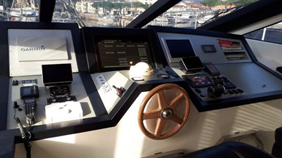 Jaguar80_P&M_steering_wheel