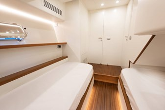toy-51-fly-aft-stateroom