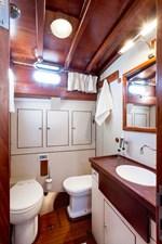 Oliria_toilet