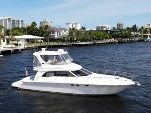 48 Sea Ray Starboard Side Profile