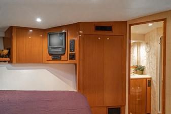 2000 Viking 65 FINATIC-34 VIP Stateroom