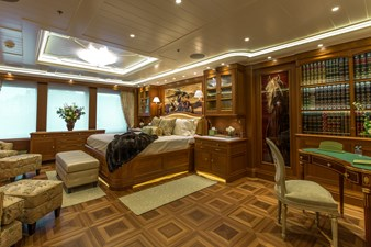 SEA OWL  32 Owner Stateroom