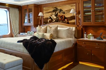 SEA OWL  34 Owners stateroom 02