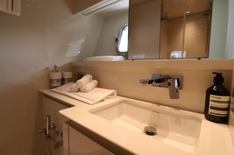Sanlorenzo-SX76-partial-ownership-for-sale-Lengers-Yachts-37