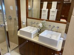 ANYA 20 15. Guest Bathroom