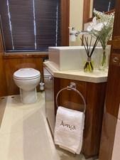 ANYA 27 Bathroom