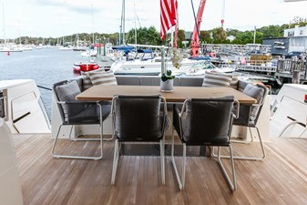 FOREVER YOUNG  17 Aft Deck Dining