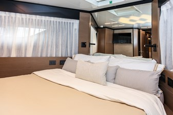 FOREVER YOUNG  46 VIP Stateroom