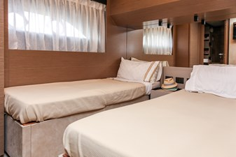 FOREVER YOUNG  52 Guest Stateroom
