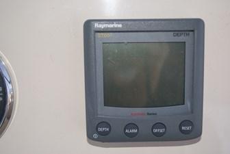 320 Raymarine ST60 Depth