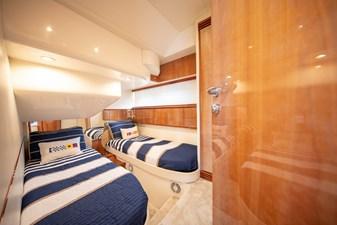 - 34 35_2004 50ft Pershing Express