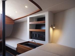 Essence 33 13 Essence Interior