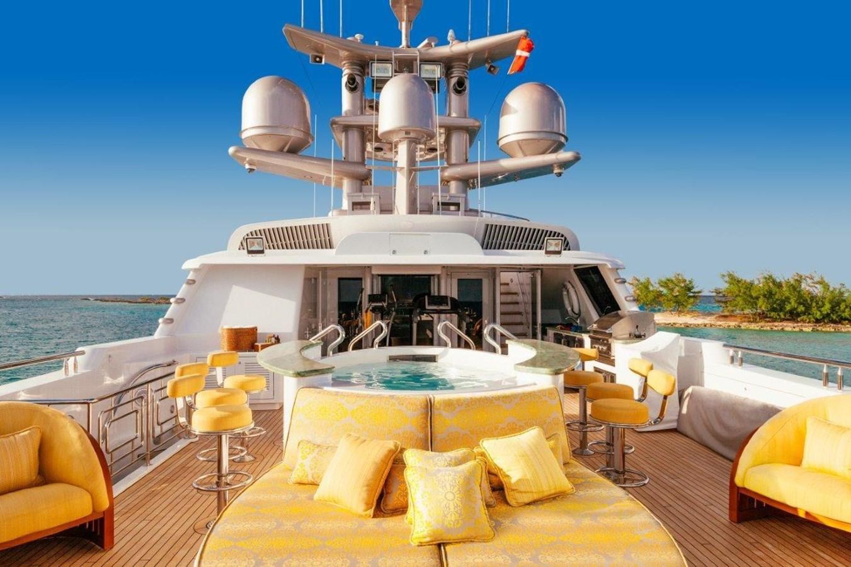 MY SEANNA 186 Delta Marine Custom - 4 Top Sun Deck