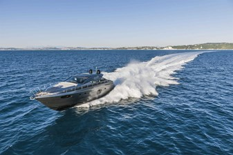 Pershing62Cruising_0016_12610