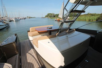 Riva-56-Sportriva-exterior-Lengers-Yachts-8