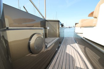 Riva-56-Sportriva-exterior-Lengers-Yachts-11