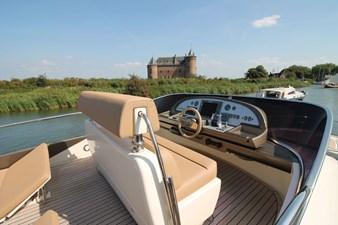 Riva-56-Sportriva-exterior-Lengers-Yachts-19