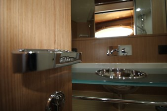 Riva-56-Sportriva-interior-Lengers-Yachts-8