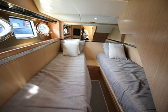 Riva-56-Sportriva-interior-Lengers-Yachts-9