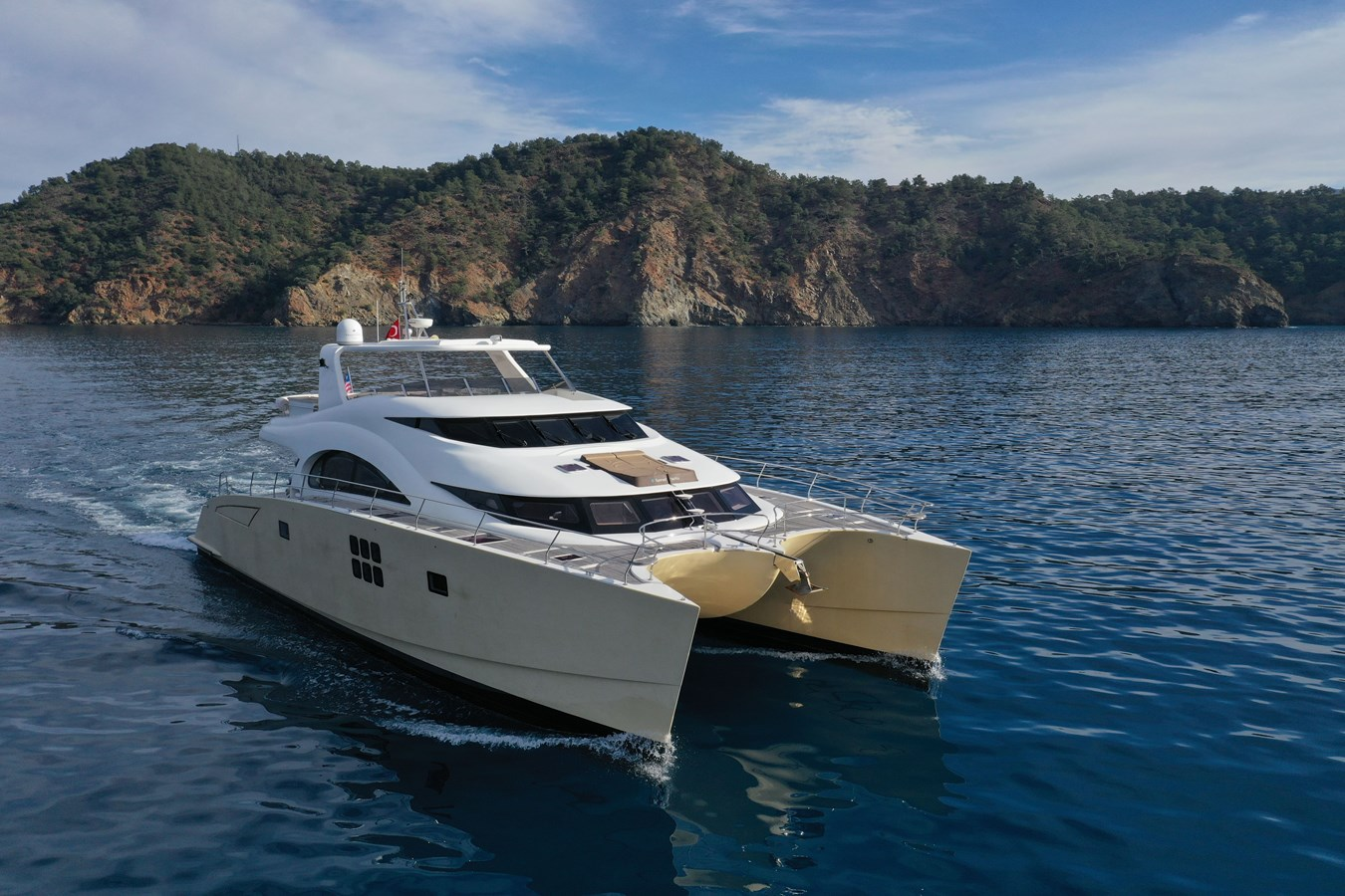 Sunreef 70 Power Yacht For Sale Exterior 2