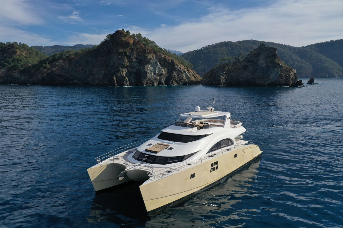 Sunreef 70 Power Yacht For Sale Exterior 8