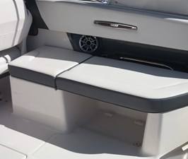 cockpit stbd seating 6