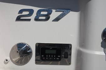 transom stereo control 33