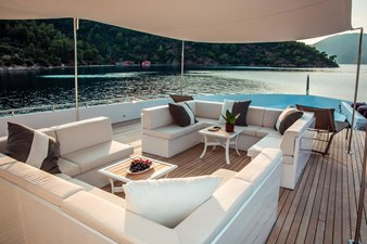 Foredeck Lounge