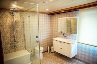 Flydeck Master Bathroom