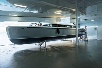 48, Tender garage