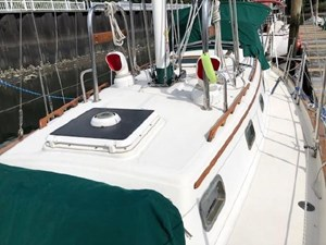 34 1994 Pacific Seacraft Crealock 34 7 8