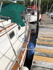 34 1994 Pacific Seacraft Crealock 34 8 9