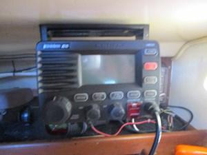 28. 41' Morgan VHF Radio